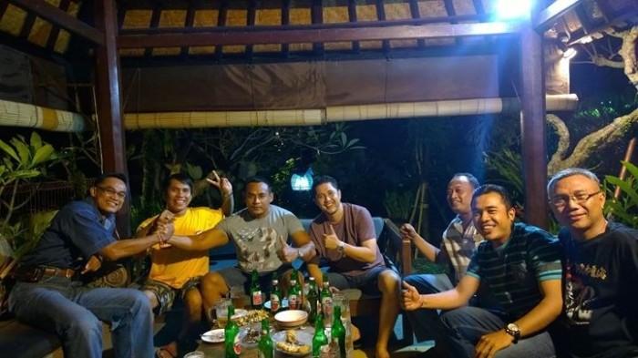 Perayaan bersama menambah eratnya persahabatan