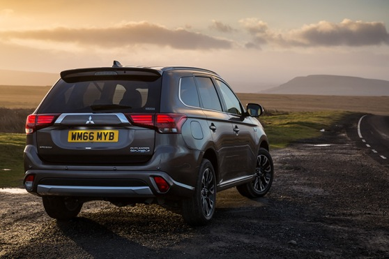 new-mitsubishi-outlander-phev-tail